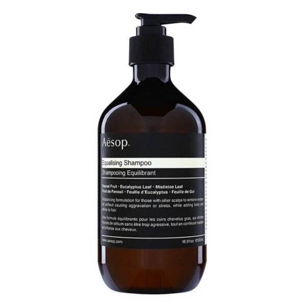 The Aēsop Hair Equalising shampoo cleans the scalp effectively, washes hair thoroughly, and restores its natural beauty.