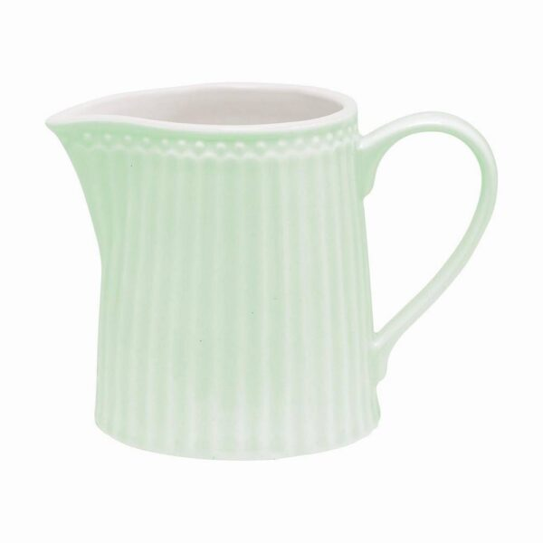 A beautiful pastel collection of porcelain tableware from Green Gate will bring a spring mood into your kitchen