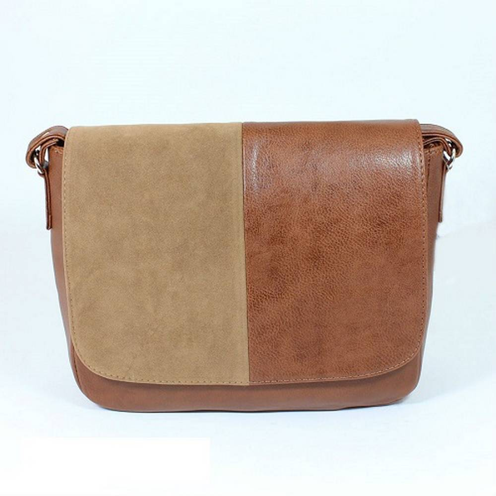 Women's bag with artificial leather. Color: brown. Size: 25 x 30 cm.