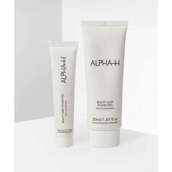 Suitable for all skin types, the exclusive Beauty Sleep Power Peel exfoliating duo restores and smoothes the complexion while you sleep.